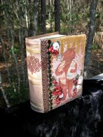 Rose Red Snow White Story Box by darklingwoods