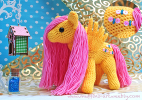 fluttershy amigurumi by TheArtOfMuffin