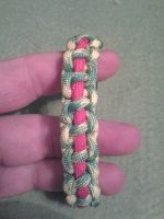 Paracord Bracelet by howardhowitzer