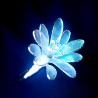 Iridescent pampass grass kanzashi by elblack