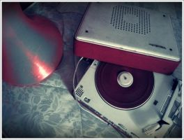 tourne disque rouge by kawainess