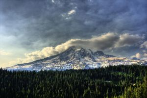 Mt. Rainier by YourRequiem