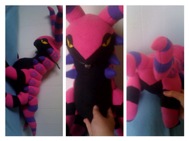 scolipede plush by LRK-Creations