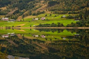 Farm Reflected by ArghNoNo