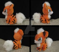 Growlithe plush by aSourLemon