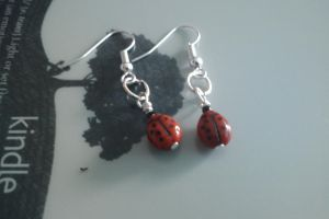 Small Ladybird Earings by thepapercraftcouple