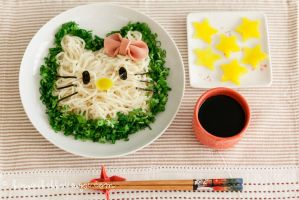 Hello Kitty Udon by kawaiikakkoiisugoi