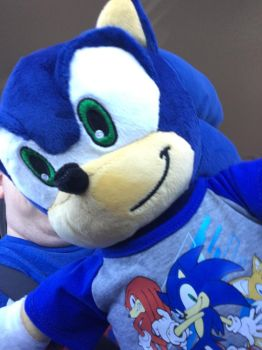 Sonic Plush Finally! (And almost face reveal) by DJLucarioWolf33