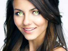 Victoria Justice Hypnotizes You by 867564