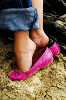 pink shoes by gizmoart82