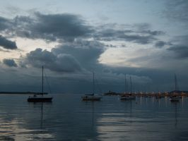 Dun Laoghaire harbour by Scariecrow