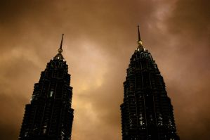 Twin Towers by FeelSoAlive