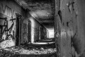 Abadoned Corridor by petty1024