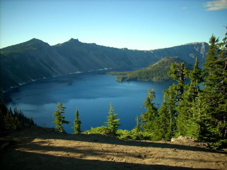 Crater Lake by soyrwoo
