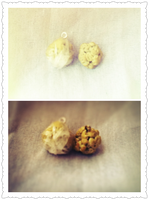 Popcorn Balls in 1/24 Scale by Lanilau
