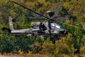Apache Attack by aviationbuff