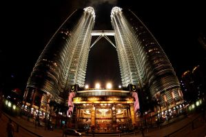 fisheyed twin tower by septiansyah