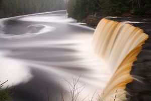 Tahquamenon Falls by Originalbossman