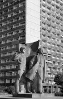 Lenin statue in Madrid 1975 by dlink97