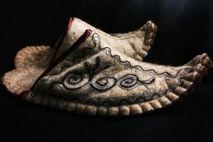 slippers by habili-and1