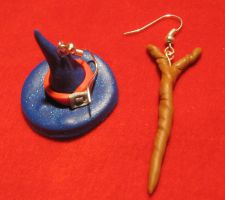 Witch hat+magic wand earrings by StregattaPuponzi