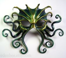 Large Cthulhu mask, green, gold, and midnight blue by shmeeden