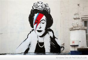 David Bowie and The Queen by Lilith-Babydoll