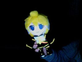 Len plushie I got today with mufflesthecat by Chiimeii