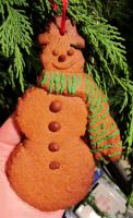 Gingerbread Snowman by Lost-in-the-day