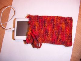 Knitted iPod Pouch by orange-star