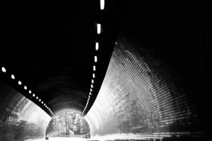 Tunnel by krazy3