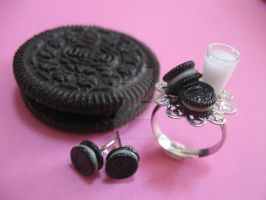 Oreo cookies jewelry by ilovelittlethings