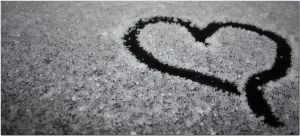 Heart in Snow by AvaHtH