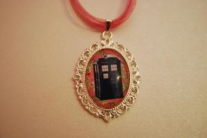 Doctor Who TARDIS necklace by Lisa-Locket