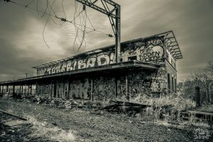 Abandoned train station by boldsoul
