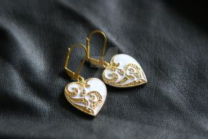 Vintage inspired enamel heart earrings by MonLoveMonLove
