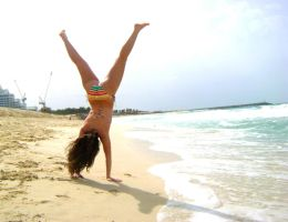 hand stand by Dancingwithcolours