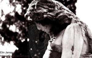 Weeping angel by Ajlin