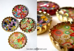Bottlecaps with resin by Sandien