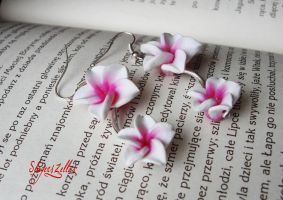 Pinky-white doubled flowers earrings by Benia1991
