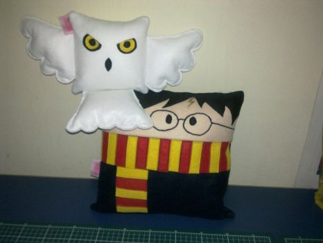 Handmade Harry Potter and Hedwig Plush Pillow Set by RbitencourtUSA