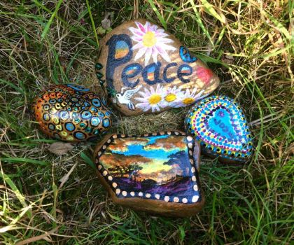 Kindness Rocks Project by Okarnillart