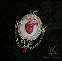 Anatomic heart brooch by MissAnnThropia