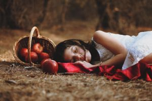Sommeil d'automne by Leona-Snow
