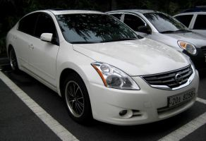 Nissan Altima 3.5 SL Sport Edition White by toyonda