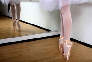 Ballerina by dyingwithgrace