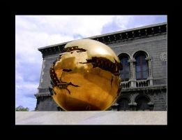 Golden Broken Ball Thing by DasHorst
