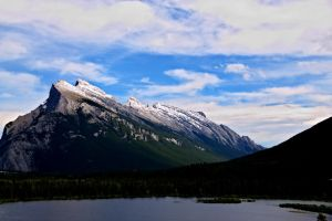 Mount Rundle by Tavarin