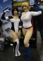 NYCC'11 Terra and Power Girl by zer0guard