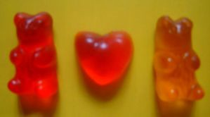 Gummy Bear Love by bienbear